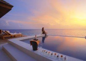 maledivy-hotel-lily-beach-resort-041.jpg