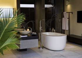 maledivy-hotel-lily-beach-resort-050.jpg