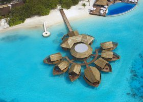 maledivy-hotel-lily-beach-resort-064.jpg