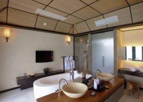 maledivy-hotel-lily-beach-resort-069.jpg