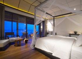 maledivy-hotel-lily-beach-resort-070.jpg