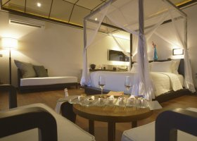 maledivy-hotel-lily-beach-resort-073.jpg