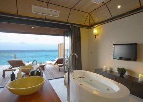 maledivy-hotel-lily-beach-resort-082.jpg