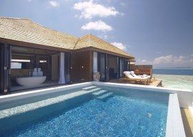 maledivy-hotel-lily-beach-resort-098.jpg
