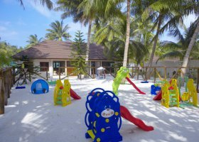 maledivy-hotel-lily-beach-resort-110.jpg