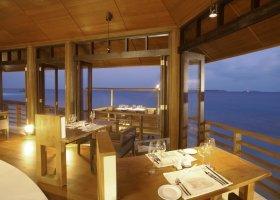 maledivy-hotel-lily-beach-resort-128.jpg