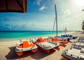 maledivy-hotel-lily-beach-resort-157.jpg