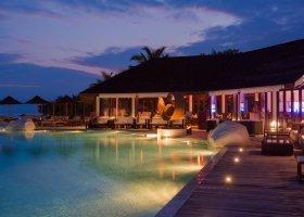 maledivy-hotel-lily-beach-resort-222.jpg