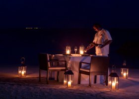 maledivy-hotel-lily-beach-resort-225.jpg