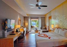 maledivy-hotel-lily-beach-resort-233.jpg