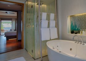 maledivy-hotel-lily-beach-resort-234.jpg