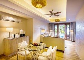 maledivy-hotel-lily-beach-resort-240.jpg