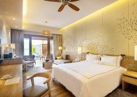 maledivy-hotel-lily-beach-resort-247.jpg