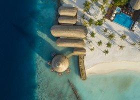 maledivy-hotel-lti-maafushivaru-maldives-001.jpg