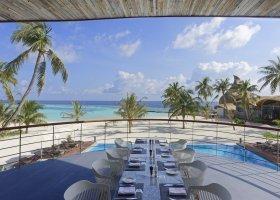 maledivy-hotel-lti-maafushivaru-maldives-006.jpg