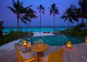 maledivy-hotel-milaidhoo-007.jpg