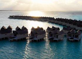 maledivy-hotel-movenpick-resort-kuredhivaru-006.jpg