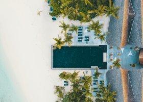 maledivy-hotel-movenpick-resort-kuredhivaru-012.jpg
