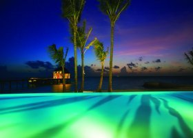 maledivy-hotel-ozen-by-atmosphere-at-maadhoo-224.jpg