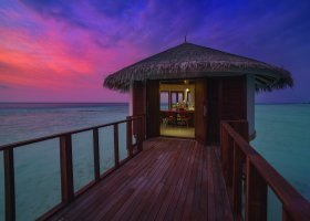 maledivy-hotel-ozen-by-atmosphere-at-maadhoo-259.jpg