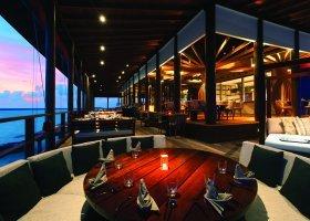 maledivy-hotel-ozen-by-atmosphere-at-maadhoo-320.jpg