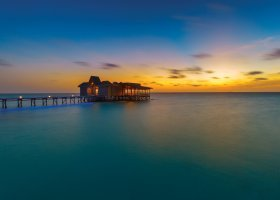 maledivy-hotel-ozen-by-atmosphere-at-maadhoo-342.jpg