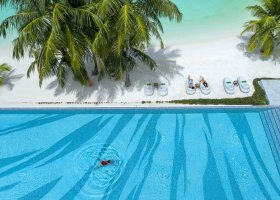 maledivy-hotel-ozen-by-atmosphere-at-maadhoo-396.jpg