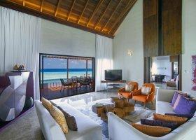 maledivy-hotel-ozen-by-atmosphere-at-maadhoo-403.jpg