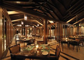 maledivy-hotel-paradise-island-resort-044.jpg