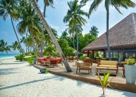 maledivy-hotel-reethi-faru-resort-003.jpg
