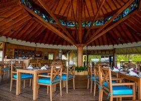 maledivy-hotel-reethi-faru-resort-005.jpg