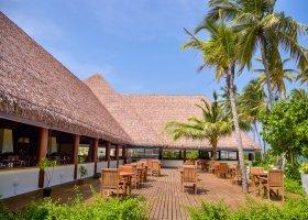 maledivy-hotel-reethi-faru-resort-006.jpg