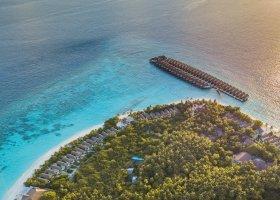 maledivy-hotel-reethi-faru-resort-020.jpg
