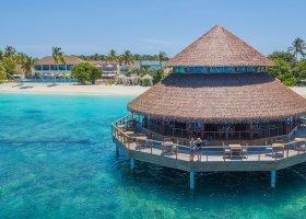 maledivy-hotel-reethi-faru-resort-022.jpg