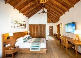 maledivy-hotel-reethi-faru-resort-024.jpg