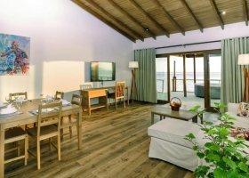 maledivy-hotel-reethi-faru-resort-031.jpg