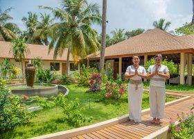 maledivy-hotel-reethi-faru-resort-042.jpg