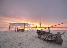 maledivy-hotel-royal-island-resort-069.jpg