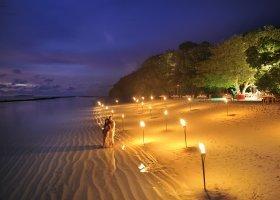 maledivy-hotel-royal-island-resort-070.jpg