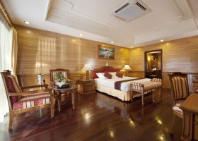 maledivy-hotel-royal-island-resort-133.jpg