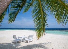 maledivy-hotel-sandies-bathala-002.jpg