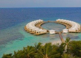 maledivy-hotel-sandies-bathala-016.jpg