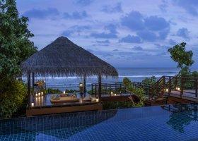 maledivy-hotel-shangri-la-s-villingili-366.jpg