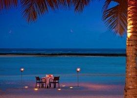 maledivy-hotel-sheraton-full-moon-resort-149.jpg