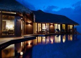 maledivy-hotel-sun-aqua-vilu-reef-001.jpg