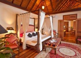 maledivy-hotel-sun-aqua-vilu-reef-003.jpg