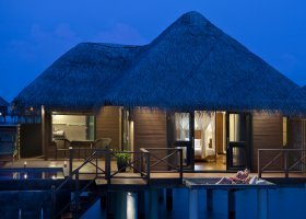 maledivy-hotel-sun-aqua-vilu-reef-036.jpg