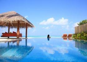 maledivy-hotel-sun-aqua-vilu-reef-037.jpg
