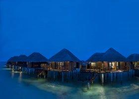maledivy-hotel-sun-aqua-vilu-reef-041.jpg