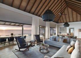 maledivy-hotel-vakkaru-maldives-040.jpg